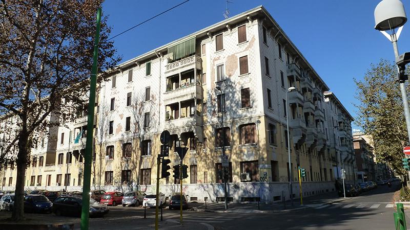 Scorcio da via Giovanni Da Cermenate angolo via G. Pezzotti - 2013