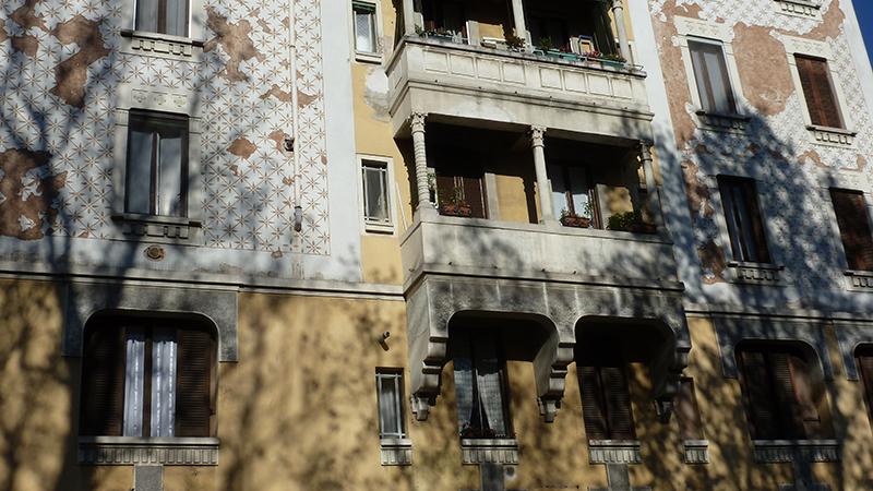 Particolare della facciata su via Giovanni Da Cermenate - 2013