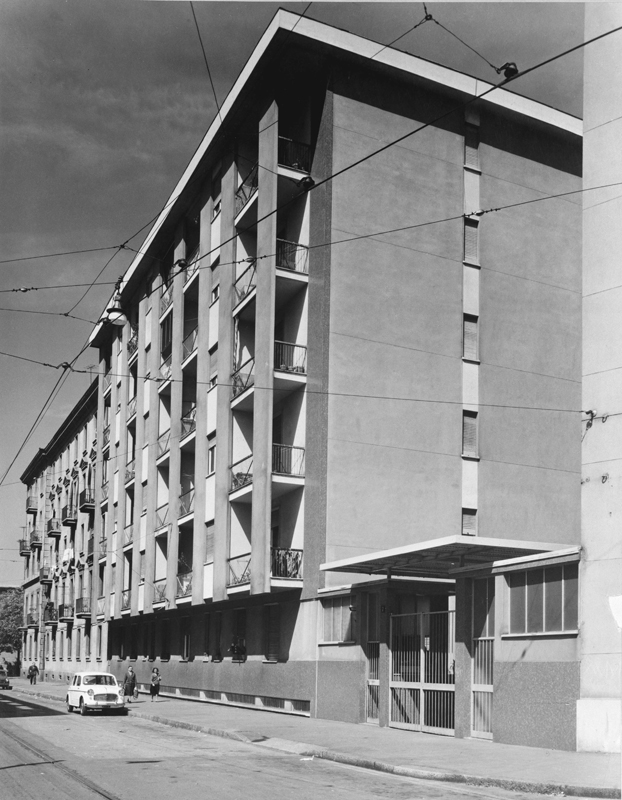 Il fabbricato di via E. Camerini 7, 3° lotto con portineria - 1957