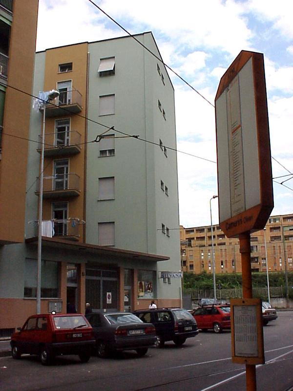 Il fabbricato di via E. Camerini 7, ingresso - 2012