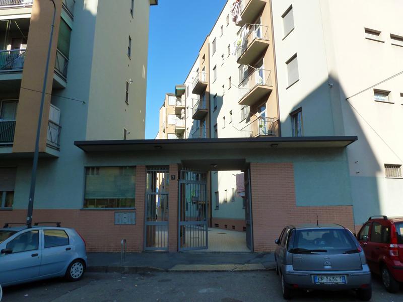 Il fabbricato di via E. Camerini 7, ingresso - 2013