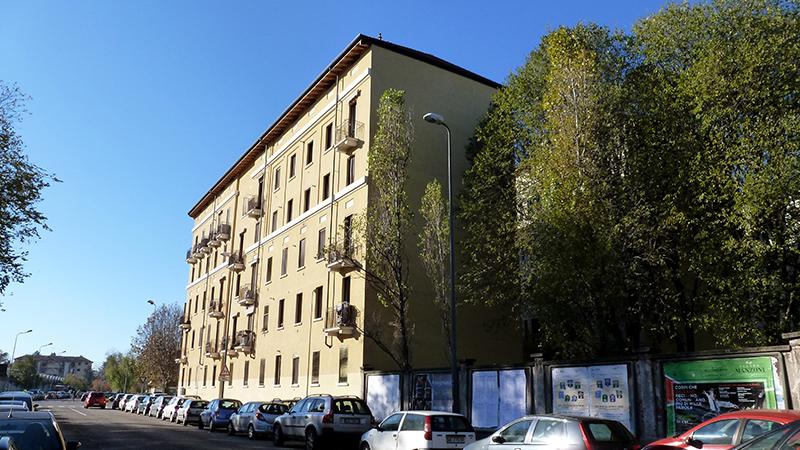 Il fabbricato di via F. Primaticcio 196, visto da via Tonezza - 2013